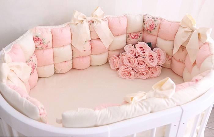 Бортики бонбон в овальную кроватку