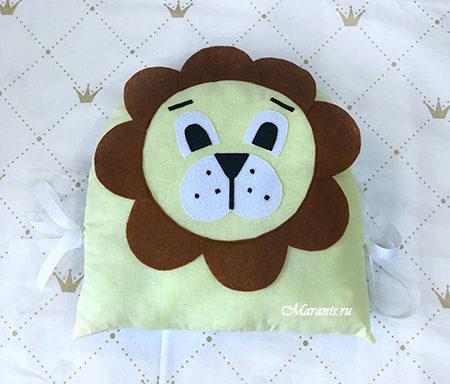 Подушка бортик в кроватку Лев