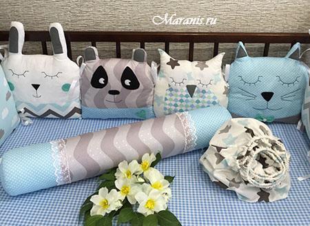 Подушка мишка в кроватку от компании Маранис