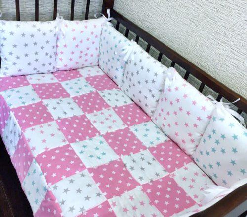 Комплект в детскую кроватку Цветные звезды фото