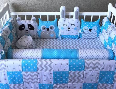 Комплект в детскую кроватку морозный день фото